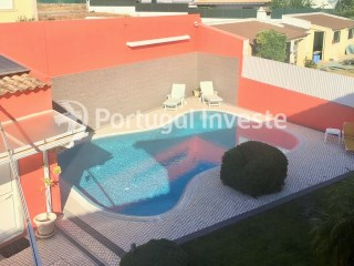 For sale excellent 5 bedrooms house, with pool and solar panels, close to the beach, just 20 minutes away from Lisbon - Portugal Investe | 5 Bedrooms | 5WC