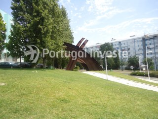 For sale 3 bedrooms apartment, just 6 minutes away from Lisbon, in Almada - Portugal Investe | 3 Bedrooms | 2WC