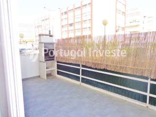 For sale 3 bedrooms duplex, with terrace and parking, in the center of city of Costa da Caparica, just 15 minutes away from Lisbon - Portugal Investe | 3 Bedrooms | 2WC