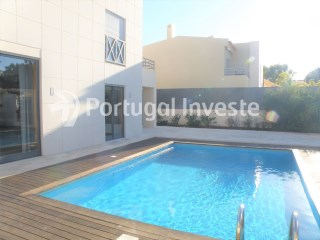 For Sale Villa with 4 rooms in Corcovada, Albufeira- Portugal Investe | 4 Bedrooms | 3WC