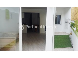 For sale, flat with two bedrooms with small garden garden close to Centro Sul, Cova da Piedade, Almada - Portugal | 1 Bedroom + 1 Interior Bedroom | 1WC