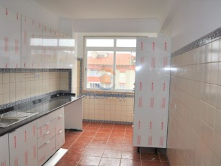Apartment › Odivelas | 2 Bedrooms | 3WC