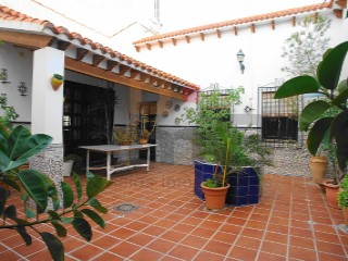House › Vera | 4 Bedrooms | 2WC