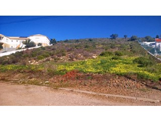 Large plot built 450m2 plus pool |
