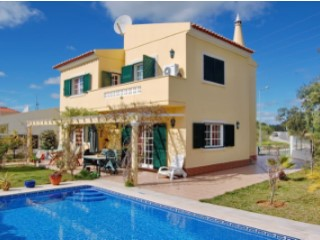 4 bedroom villa with pool 1.5 km from beach | 4 Bedrooms | 3WC