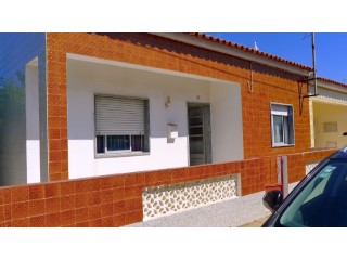 Santa Luzia 2 bedroom traditional style house with outside space. | 2 Bedrooms | 1WC