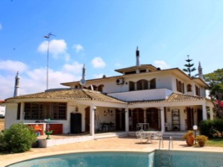 Massive Classic villa 1 km beach of Altura | 4 Bedrooms | 4WC
