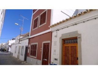 Renovated townhouse with 2+1 bedrooms and terraces in the city center | 3 Bedrooms | 3WC