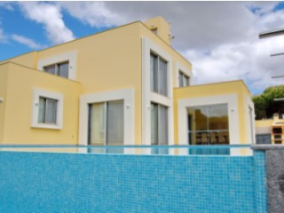 Large 5 bedroom villa with pool on Praia verde | 5 Bedrooms | 5WC