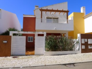 3 bed townhouse with pool | 3 Bedrooms | 3WC