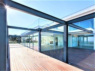 Magnificent Villa T5 +1 to debut, with 2 pools, bar and gym, in a privileged area of Cascais  | 5 Bedrooms + 1 Interior Bedroom | 5WC