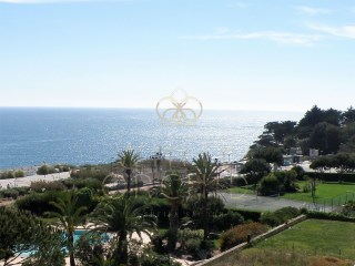 Luxurious 3 bedroom apartment with sea view in a prestigious condo with pool, in Guia, Cascais   | 3 Bedrooms | 3WC