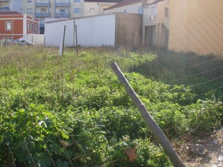 Urban land, with 700 m2, Center of Cadaval |
