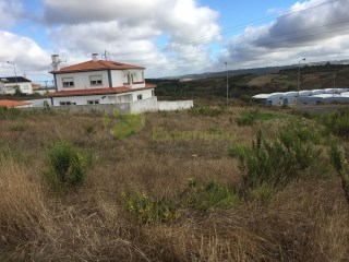 Lot for construction of single-family housing, near Lourinhã |