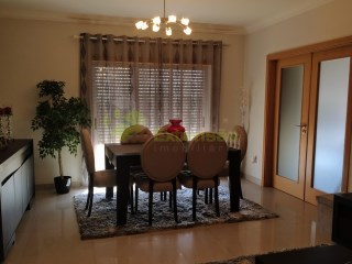 2 bedroom apartment, like new, Center of Cadaval | 2 Bedrooms | 2WC