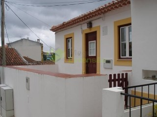 House 2 bedrooms, Centre of Cadaval. | 2 Bedrooms