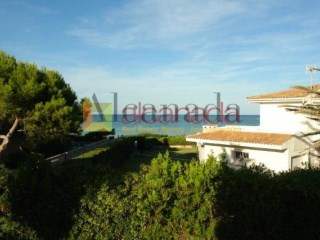 Seafront villa for sale in Playa de Muro, Majorca | 5 Bedrooms | 3WC