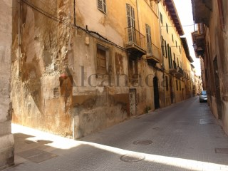Building for sale in the old town of Palma de Mallorca. | 8 Bedrooms | 1WC