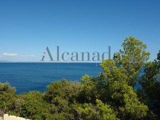 Urban plot with views to the sea in Cala Vinyes, Calvia. |