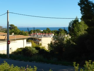 Urban plot for sale with sea view |