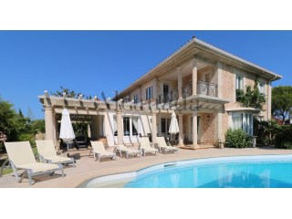 Villa on the beach of Puerto Pollensa. | 4 Bedrooms | 3WC