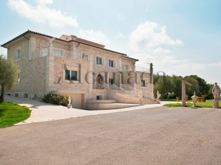 Villa for sale in Muro, Majorca with seaviews | 4 Bedrooms | 4WC