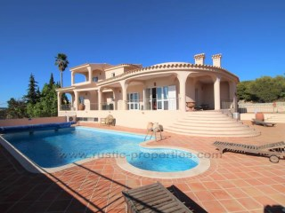 Villa with 3 bedrooms, sea views, Pool and Tennis Court! RPS1092V | 4 Bedrooms