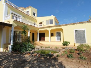 Villa with 4 bedrooms and pool near Vilamoura. RPS1129V | 3 Bedrooms + 1 Interior Bedroom