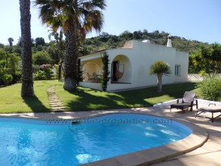 Detached single storey 4 bedrooms villa full of charm and character near Loulé. RP1140V | 4 Bedrooms | 3WC