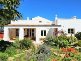 Villa › Loulé | 4 Bedrooms | 2WC