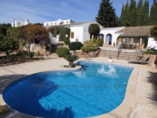 Caracter and charming Quinta property with four bedrooms near Vilamoura. RP1064V | 4 Bedrooms + 1 Interior Bedroom | 5WC