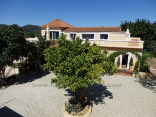 Unique country property, 4-5 bedrooms, separate studio, many fruit trees and orchard, between Loulé and Sao Bras. RP1189 | 5 Bedrooms | 4WC