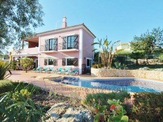 Villa with a lot of refinement, with sea views and well located | 3 Bedrooms