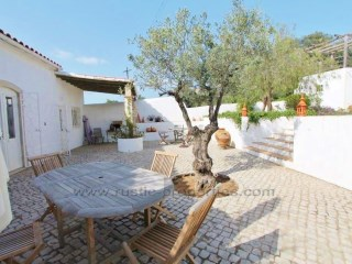 Quinta Farmhouse with 3+1 bedrooms, swimming pool and land near Santa Bárbara de Nexe. RPS1214V | 3 Bedrooms