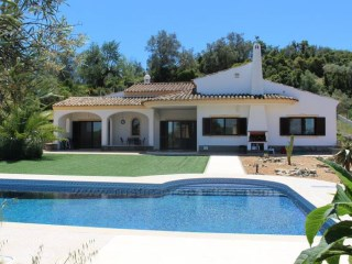 Villa with guest modern cottage & tennis court near Loulé. RPS1228V | 3 Bedrooms | 3WC