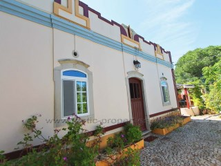 Beautiful farmhouse with 4 bedrooms in Santa Bárbara de Nexe. RPS1234V | 4 Bedrooms | 2WC