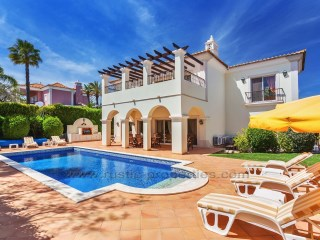 Luxury villa with 3 bedrooms, a few meters from the Quinta do Lago | 3 Bedrooms