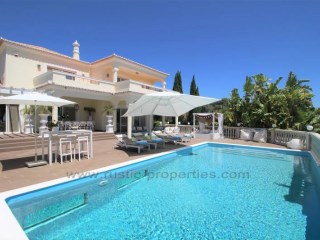 Beautifully 5 bedroom luxury villa with sea views in central Algarve. RPS1270V | 5 Bedrooms | 7WC