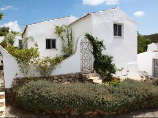 Beautiful renovated farmhouse with 4 bedrooms and beautiful views. RPS1293V | 4 多个卧室