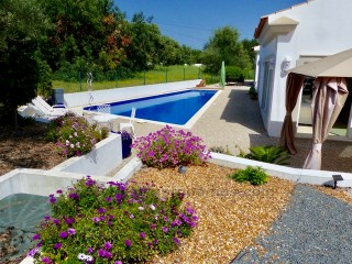 Charming single storey villa near the village of São Brás de Alportel. RPS1294V | 3 Bedrooms + 1 Interior Bedroom