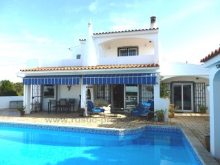 Elegant Three bedroom villa near Santa Barbara de Nexe. RP1300V | 3 Bedrooms | 3WC