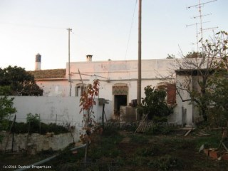 Traditional Farmhouse to renovate near Loulé | 0 Bedrooms