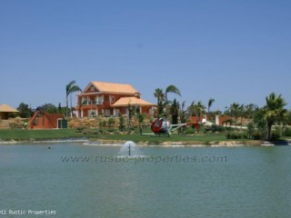 Olhão - Fantastic Quinta with Private Lake and sea views | 3 Bedrooms | 6WC