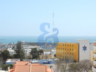 4 bedroom Apartment in Cascais | HOUSE & HOME | 4 Bedrooms | 3WC