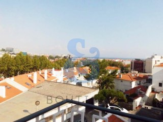 Apartment duplex with 4 Bedrooms in Cascais | HOUSE & HOME | 4 Bedrooms | 2WC