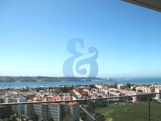Apartment T4 in Restelo-Sky Restelo | HOUSE & HOME | 4 Bedrooms | 1WC