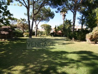 BEAUTIFUL VILLA WITH TENNIS COURT |  | 4WC