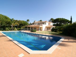 BEAUTIFUL AND SPACIOUS VILLA SITUATED IN FRONT OF THE GOLF COURSE | 5 Bedrooms | 6WC