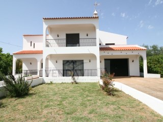 SPACIOUS COUNTRY VILLA | 4 Bedrooms | 3WC