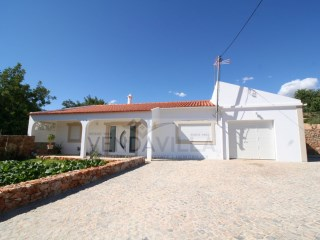 2 Bed. Villa in  S. Brás de Alportel  | 2 Bedrooms | 2WC